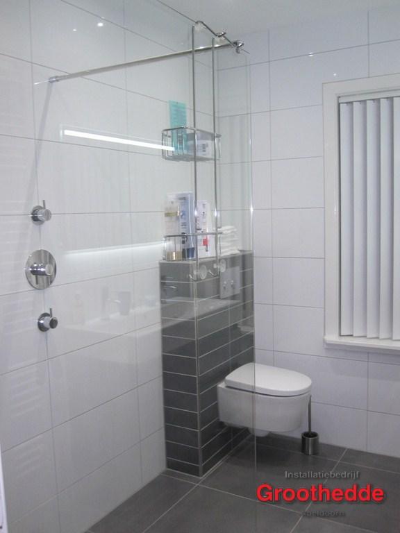 nieuwe badkamer in jaren 30 woning in de van Heutszlaan in Apeldoorn 8